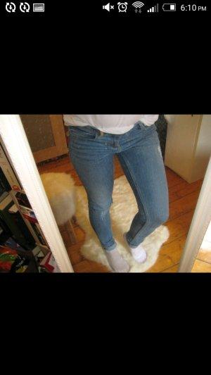 Zara destroyed hellblau Jeans