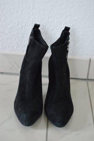 ZARA Echtleder Suede Ankle Boots Gr. 39, schwarz, spitz, Wildleder