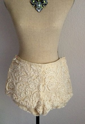 Zara Embellished Lace Shorts Spitze Perlen Creme Gr. 36 S