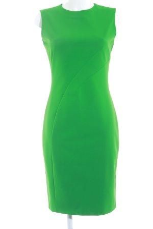 Zara Robe fourreau vert élégant