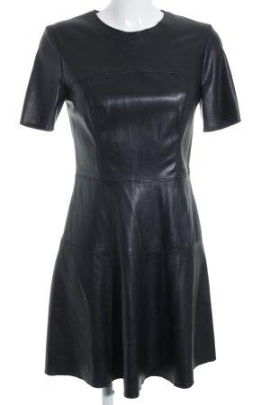 Zara Vestido ceñido de tubo negro look Street-Style