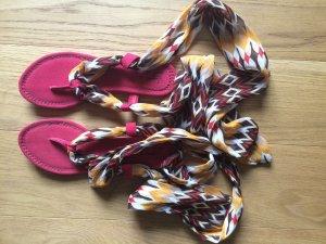 ZARA - Fashion- Flip-Flops im Römer-Style