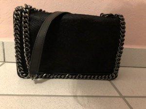 ZARA Geprägte Tasche in Schwarz (Crossbody)