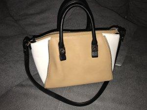 Zara Handtasche Schwarz Weiß Beige Camel Blogger Style