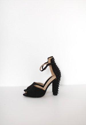 Zara Heels Sandalen mit Nieten schwarz Gr. 38 Stoff Pumps Blogger
