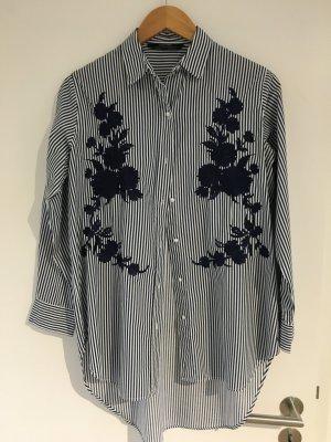 Zara Hemd blau/weiß gestreift (Größe S) mit Blumenstickerei