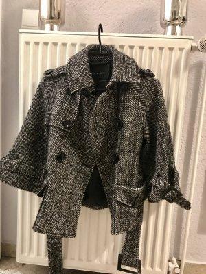 Zara Herbst/Winter Jacke im Boucle Style