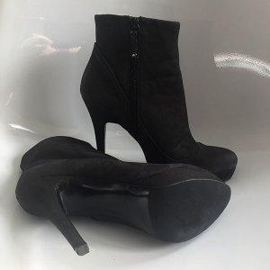 ZARA High Heel Stiefelette, sexy und elegant, schwarz