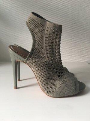 Zara High-Heels aus Stretchmaterial