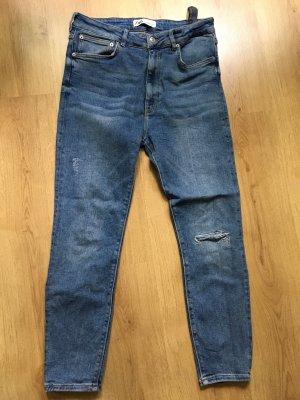 Zara High-Waist-Jeans aktuelle Kollektion