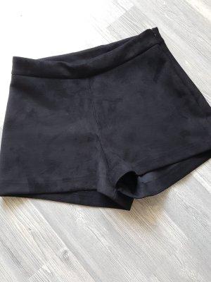 ZARA Highwaist-Shorts, Wildleder-Optik, Gr.XS, schwarz