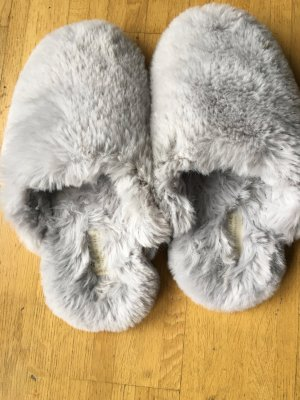 Zara Woman Scuffs light grey-grey fake fur