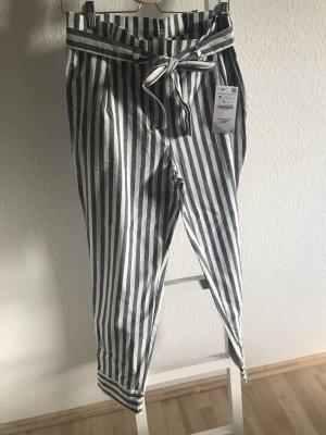 Zara Hose, gestreift, Größe M, neu
