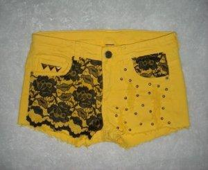 Zara Hot Pants gelb Spitze schwarz Shorts kurze h m Hose Nieten 32 34 XXS XS