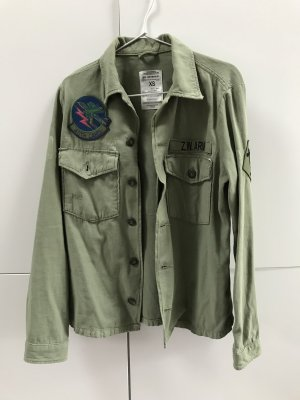 ZARA Jacke Hemdjacke mit Taschen Patches Khaki Grün Gr. 34 / XS - NEU und ungetragen!