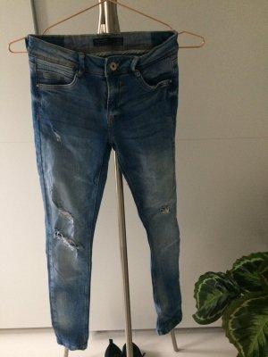 Zara Jeans ..............32