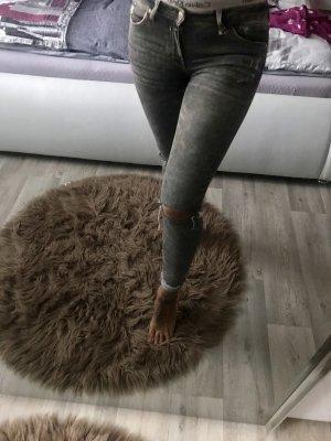 Zara Trafaluc Vaquero elásticos gris
