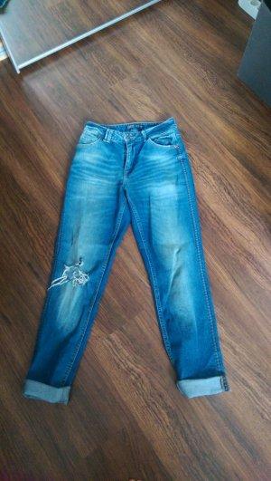 Zara Jeans aus aktuelle Kollektion.