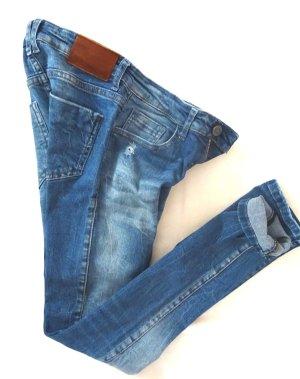 Zara*Jeans*Basic*Ripped*Gr. 34 XS*Röhre