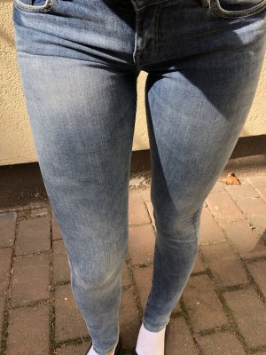 Zara Jeans, blau, Gr. 34, neu