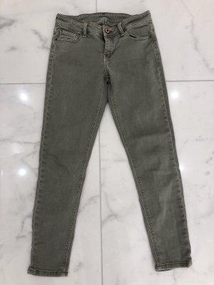 ZARA Jeans Gr. 36 grün Hüftjeans