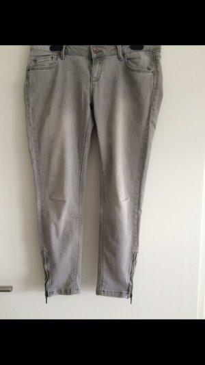 Zara Jeans grau Reißverschluss am Knöchel