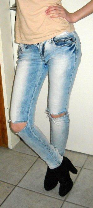 ZARA Jeans Hose Röhre Reißverschluss Bein blau Knie offen destroyed 34 36 XS S