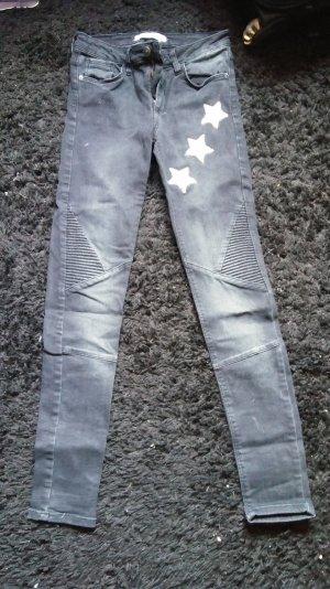 Zara Jeans mit 3 Applikationen