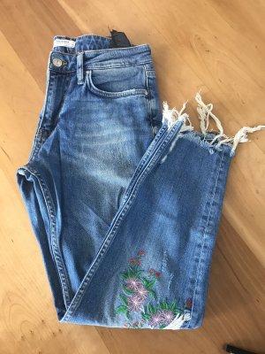 Zara Jeans mit Applikation