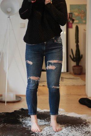 Zara Jeans mit Löchern