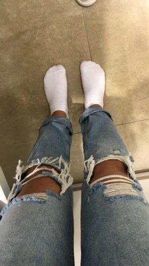 Zara Jeans mit Rissen