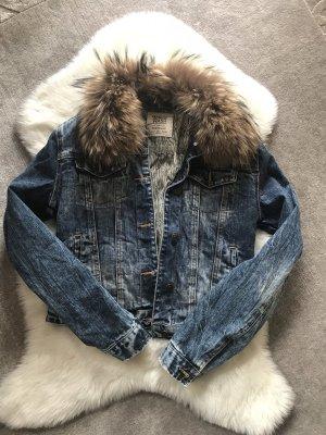 Zara Jeansjacke mit Echtpelzkragen