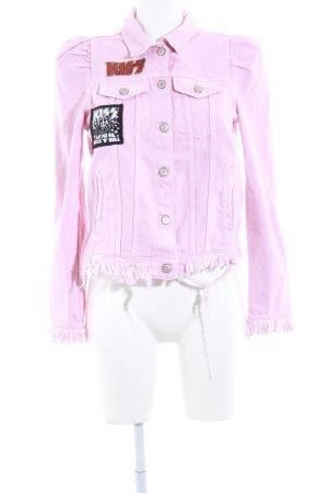 Zara Cazadora vaquera rosa look casual