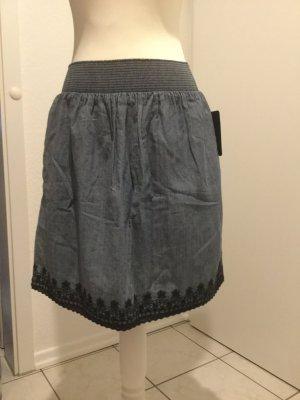 Zara Jeansrock mit Baumwollverzierung Größe S