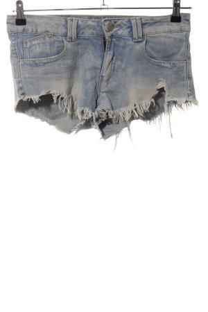 Zara Jeansshorts blau Street-Fashion-Look