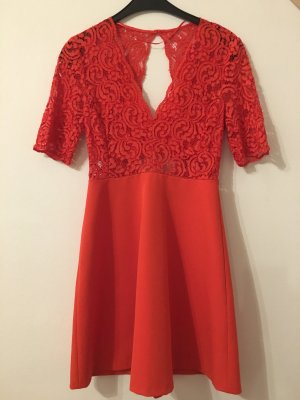 Zara Woman Robe en dentelle rouge