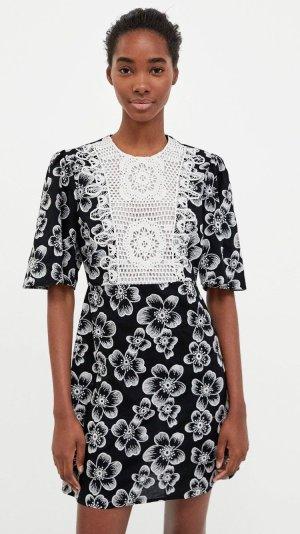 Zara Kleid L 40 Blumen floral bestickt Einsatz NEU!