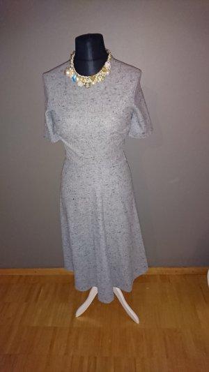 Zara Kleid M Glockenkleid wie neu