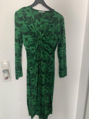 Zara Kleid Midi grün schwarz, Figurbetont langarm zu Boots oder Sneaker