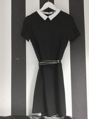 Zara Kleid mit Bubikragen Chanel Look
