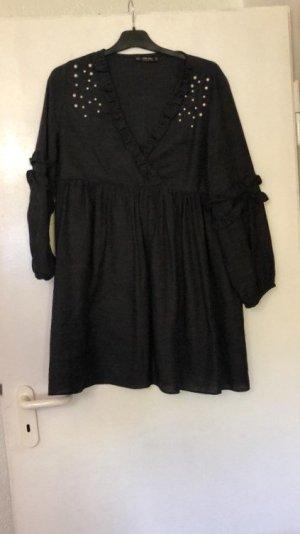 Zara Kleid mit Perlen.