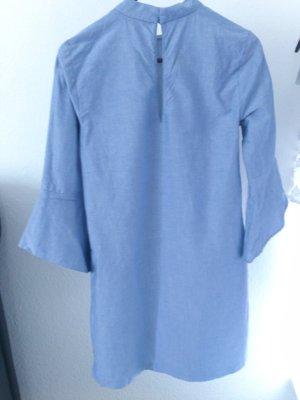 Zara Kleid mit weiten Ärmeln und Schlitz S Blogger