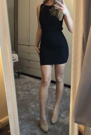 Zara Mini vestido negro