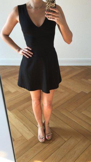 Zara Kleid Schwarz Grösse M neuwertig