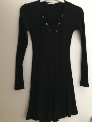 Zara Kleid schwarz mit Schnürung