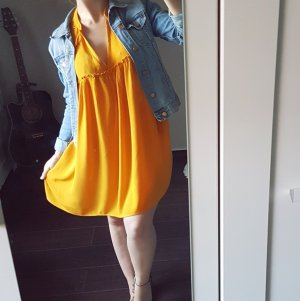 Zara Kleid senfgelb Häkelspitze V-Ausschnitt kurz mini Tshirtkleid