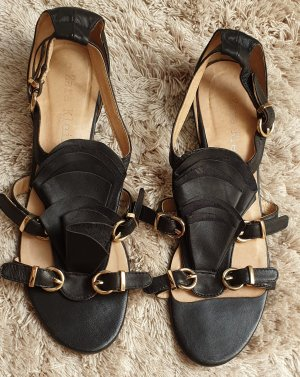 Zara Woman Sandalo con cinturino nero-oro