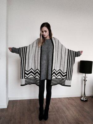 Zara Knit Cape Poncho Umhang Mantel Strick Grau Schwarz Uni Size M Blogger