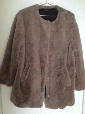 Zara Abrigo de piel sintética marrón claro