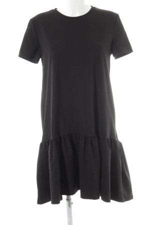 Zara Vestido de manga corta negro look casual